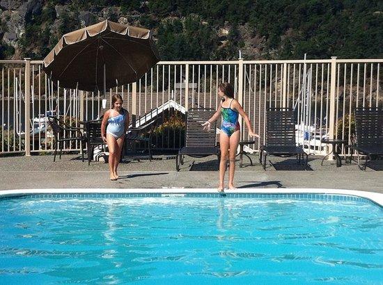 WorldMark Deer Harbor: Pool time