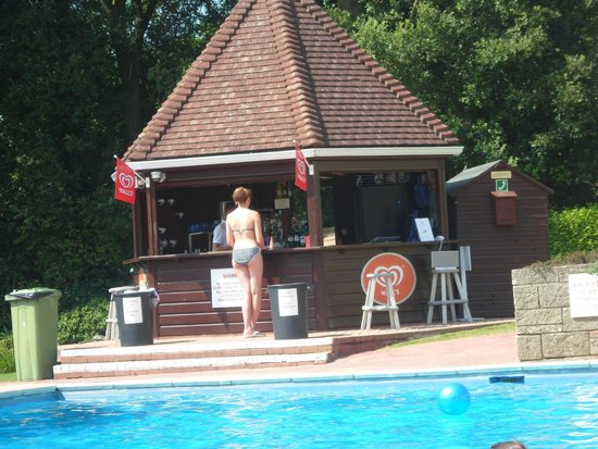 Westhill Country Hotel: Pool Bar