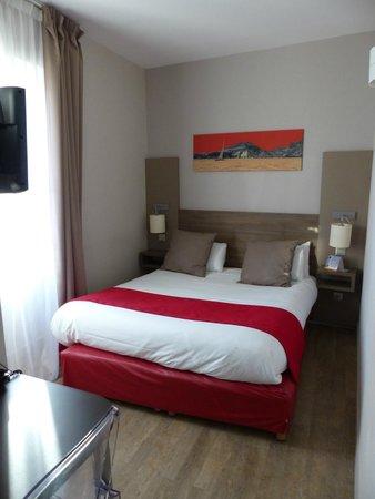 Best Western Hotel Marseille Bourse Vieux Port by HappyCulture : Bed