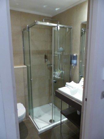Best Western Hotel Marseille Bourse Vieux Port by HappyCulture : Bathroom