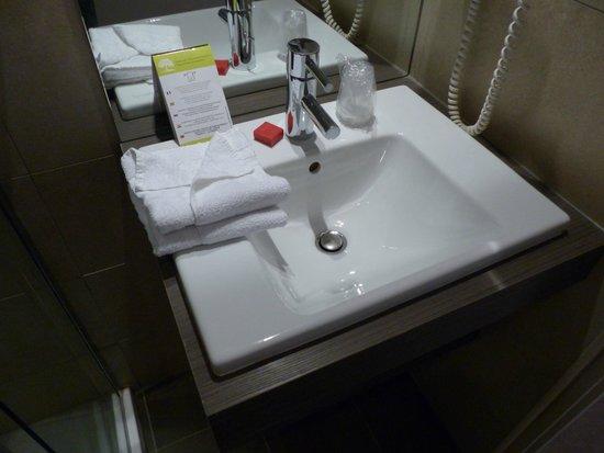 Best Western Hotel Marseille Bourse Vieux Port by HappyCulture: Bathroom