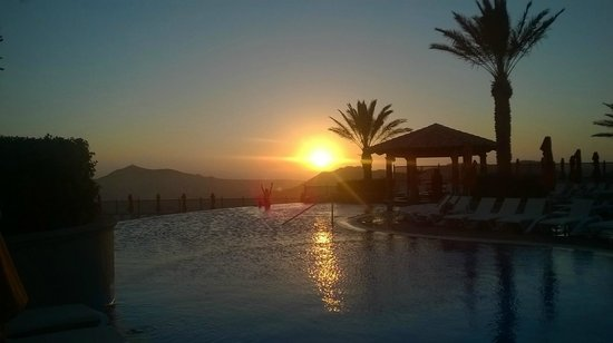 Pueblo Bonito Sunset Beach Golf & Spa Resort: atardecer en la skypool