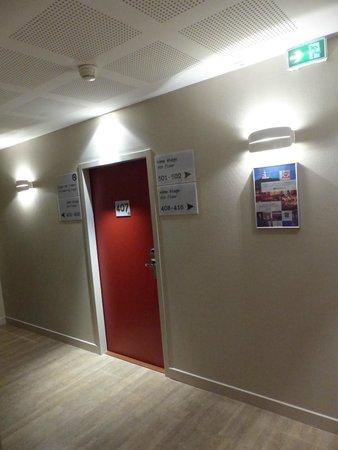 Best Western Hotel Marseille Bourse Vieux Port by HappyCulture: Corridor