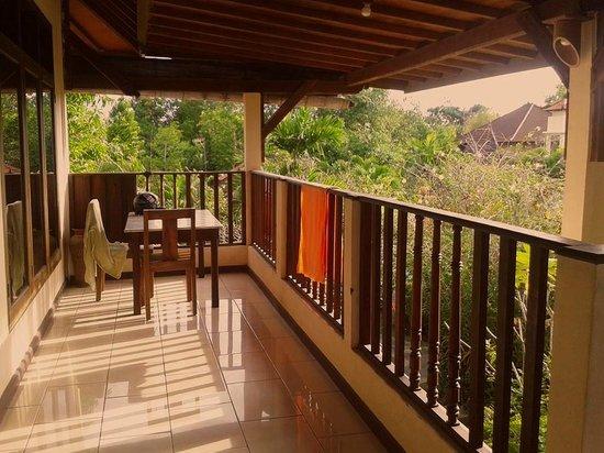 Villa Tepi Kali : balcony / terrace outside room