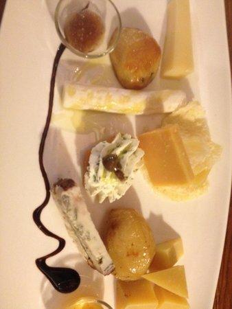 Ristorante Terrazza Barchetta : Degustazione di formaggi