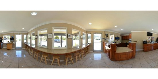 Super 8 Monterey / Carmel: Office and Breakfast area 360 view