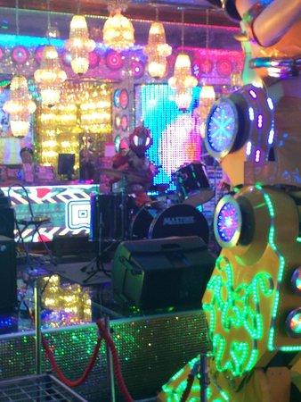 Entrance/free pre-show at ROBOT RESTAURANT