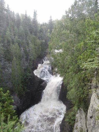 Judge C.R. Magney State Park: Devil's Kettle waterfall in late July