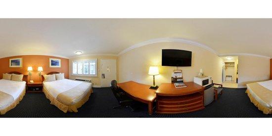 Super 8 Monterey / Carmel: Standard Queen Bed room 360 view