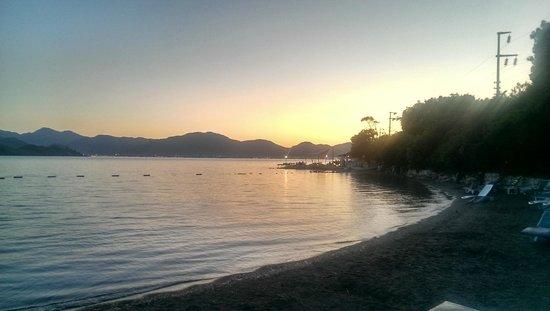 Club Nimara Beach Resort : Beach area