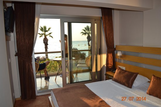Ilayda Avantgarde Hotel: Sea-facing room