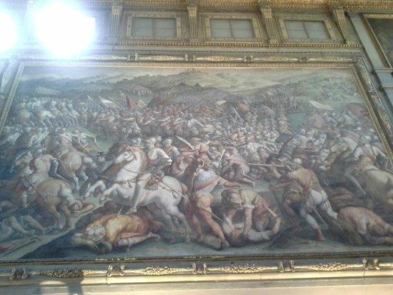 Museo di Palazzo Vecchio : No Salão dos Quinhentos uma bela pintura representando uma grande batalha!
