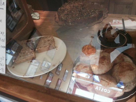 Woodruffs Organic cafe: More cakes!
