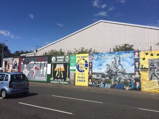 Belfast Mural Tours: The international wall