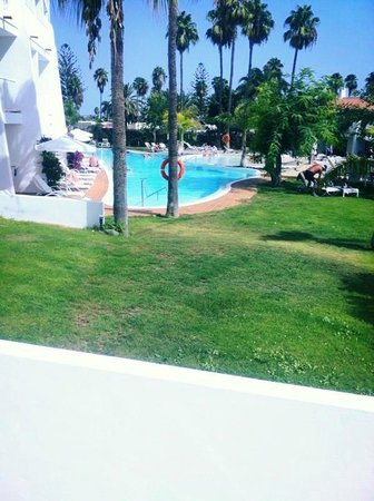 Sunprime Atlantic View: Pool with Man Made Beach