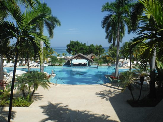 Couples Negril : View from the main lobby of the hotel.