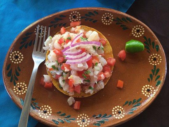 Las Mariscadas: Tostada de ceviche - the best!