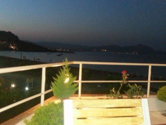 Lindian Jewel Hotel and Villas: zicht op zee vanaf restaurant
