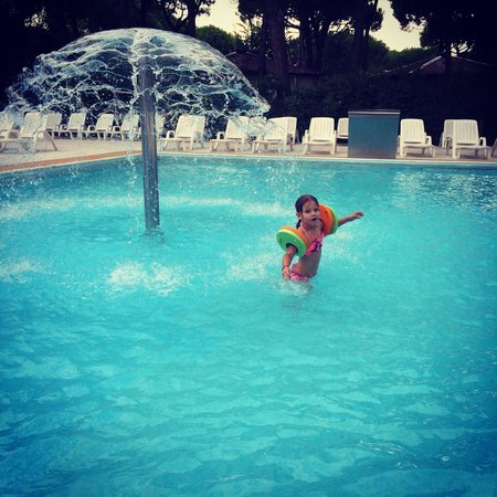 Jesolo Camping Village - Villaggio Turistico Adriatico: First jump in the pool