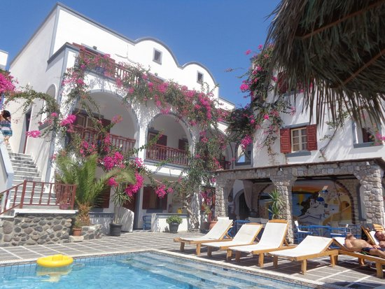 Kafouros Hotel : Lovely and quaint looking from the outside