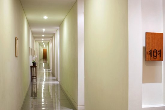 Billiton Hotel and Klub: Corridor