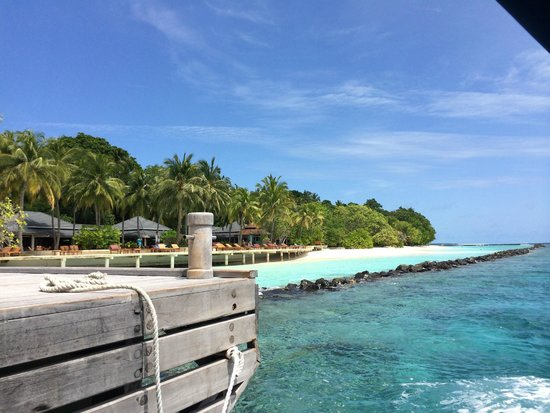 Royal Island Resort & Spa: view right side