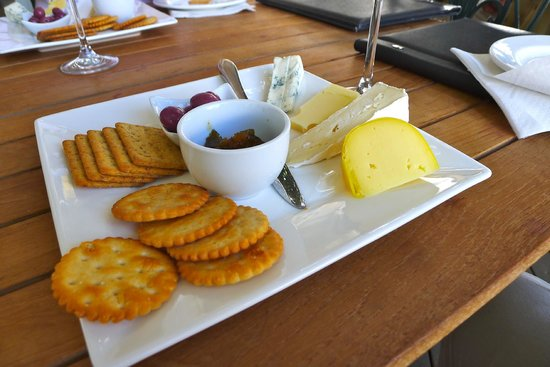 Franschhoek Wine Tram: Cheese and biscuits at Rickety Bridge