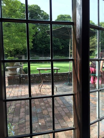 Deans Place, Country Hotel and Restaurant: Beautiful rural setting