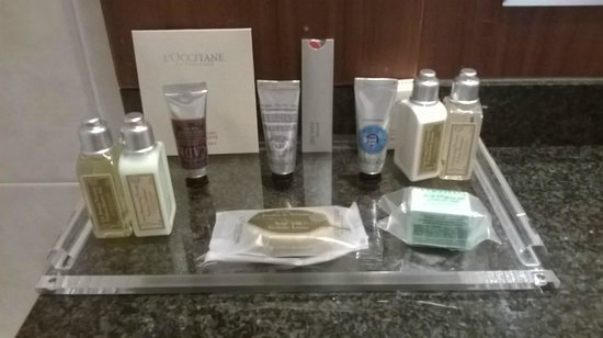 Riviera Marriott Hotel La Porte de Monaco : l'occitane complimentary toiletries in our suite
