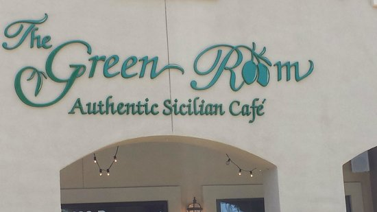 The Green Room Sicilian Cafe and Deli: Entrance