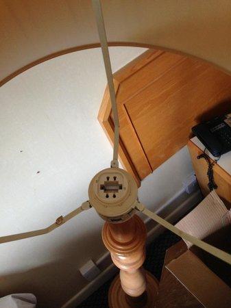 Carrington House Hotel: light with no bulb