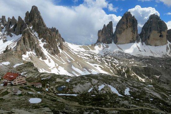 Tre Cime di Lavaredo: Tre Cima de Lavarado and refugio Locatelli, July 14