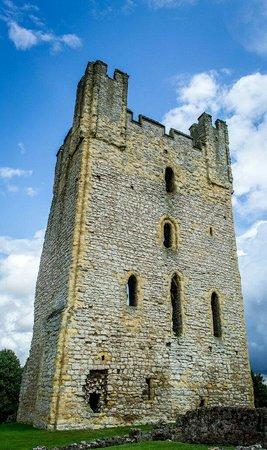 Helmsley Castle: Castle tower