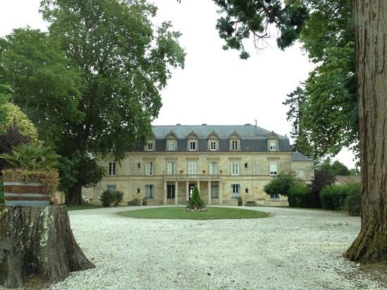 Chateau Pomys : front side