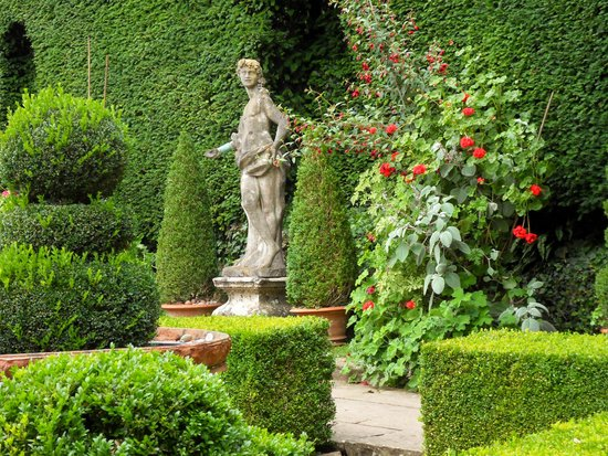 Perfect Iford Manor: The Peto Garden: Grounds
