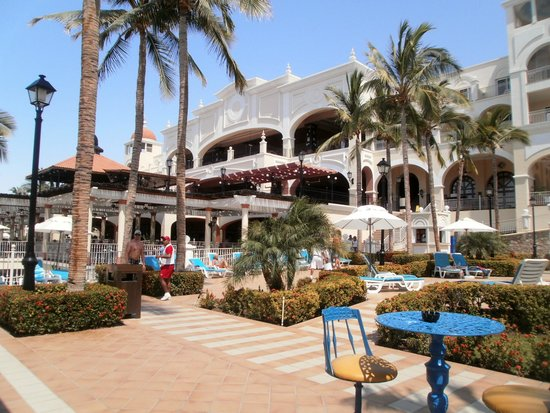 Hotel Riu Palace Cabo San Lucas: Picture of the resort.