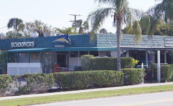 Schooners Restaurant : Welcome to Schooners!  A Jupiter Landmark Since 1984