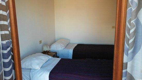 Bagno In Comune Hotel : Camera doppia con letti singoli e bagno in comune picture of
