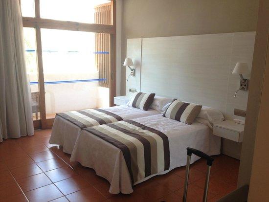 Hotel Tres Torres: Room