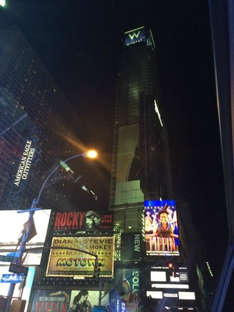 W New York - Times Square : The hotel!
