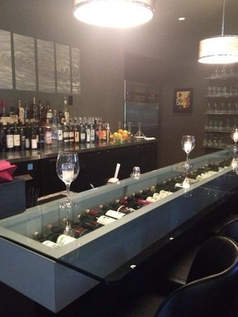 The Wine Palette : glass bar