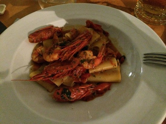 Due Mari Restaurant: Paccheri con gamberi e menta