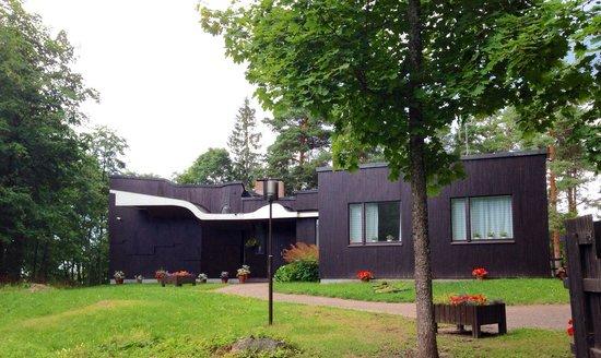 Alvar Aalto´s Villa Kokkonen : Front view of Villa Kokkonen