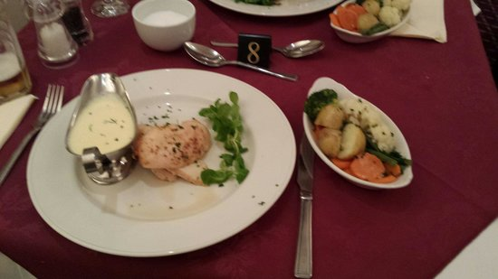 Haley's Hotel and Restaurant: Main meal. Butterfly chicken with citrus sauce
