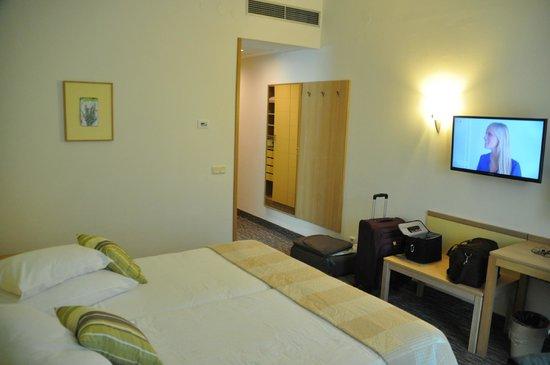 Valamar Argosy Hotel : room