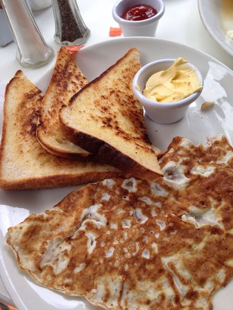 Lemon Crepe and Coffe Co.: Omelette and toast
