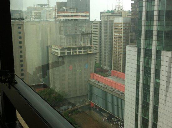 Blue Tree Premium Paulista : Vista para os prédios
