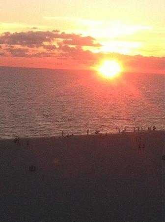 Grand Plaza Beachfront Resort Hotel & Conference Center: Sunset!