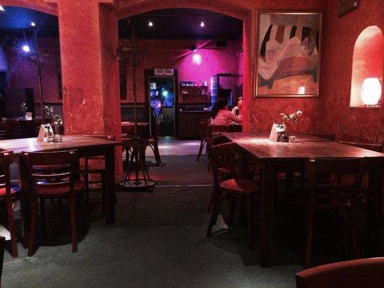 Central Restauracja: Świnoujście Central'a Rewelacyjny pomysł, oczywiście niszowy. Kuchnia bardzo ciekawa polecam ta