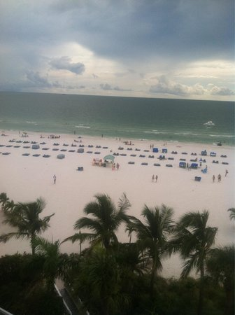 Grand Plaza Beachfront Resort Hotel & Conference Center: View from our 6th floor balcony!
